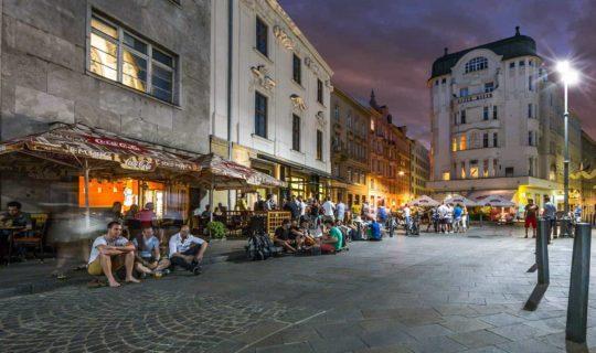 St James' Square (Jakubské náměstí) in Brno. Night live.