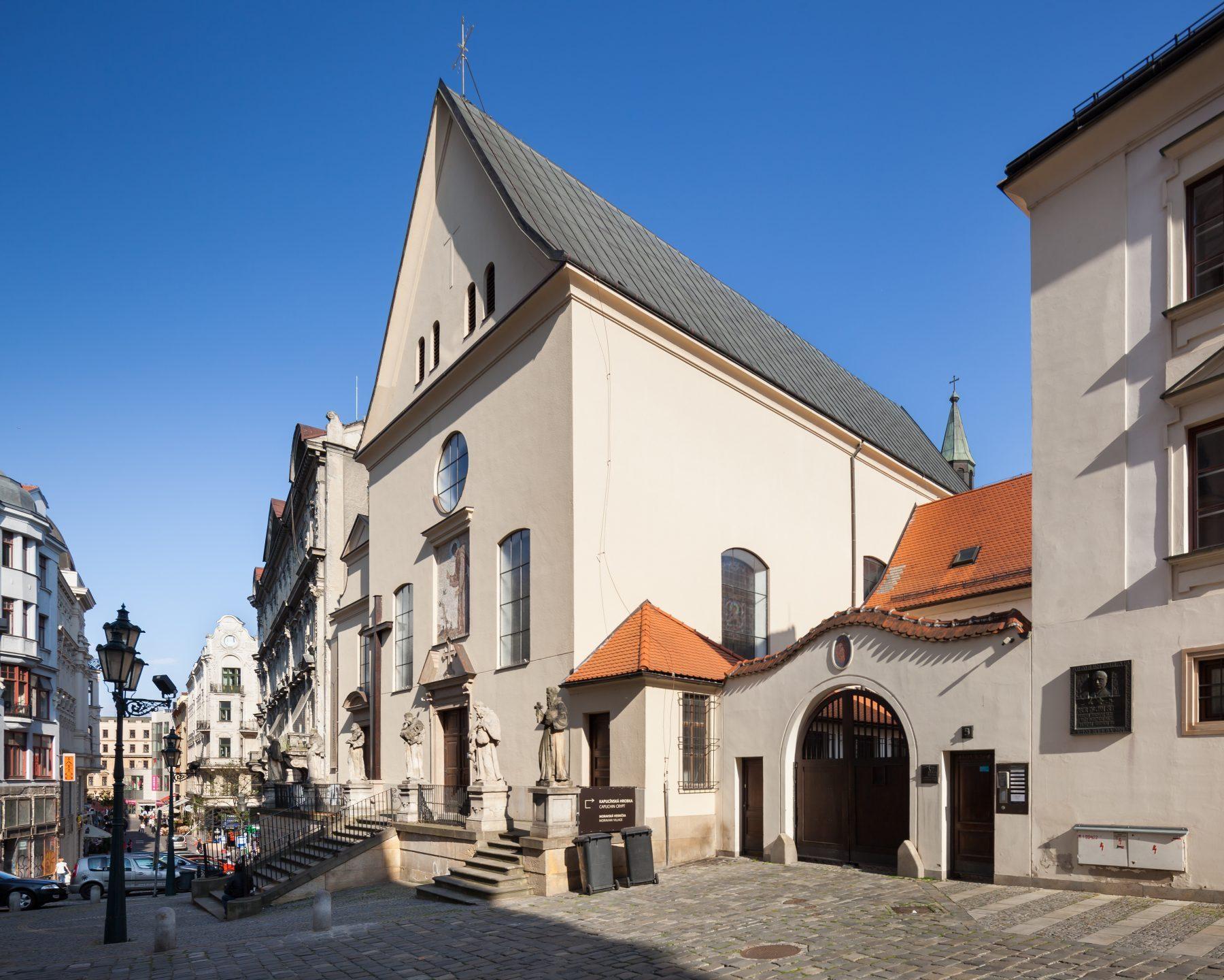 Kostel sv. Kříže na Kapucínském náměstí v Brně