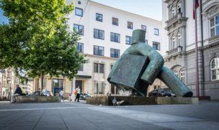 Moravské náměstí - socha Spravedlnosti