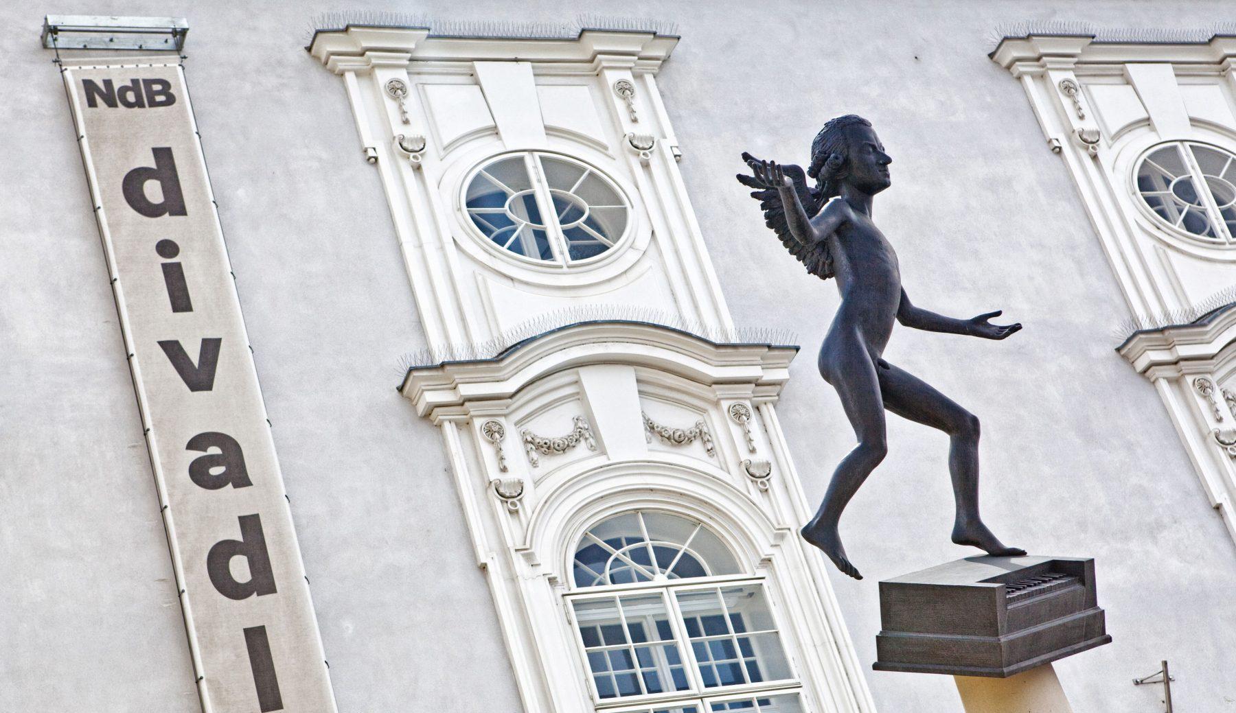 socha Kurt Gebauer: Mozart (Zelný trh) v Brně
