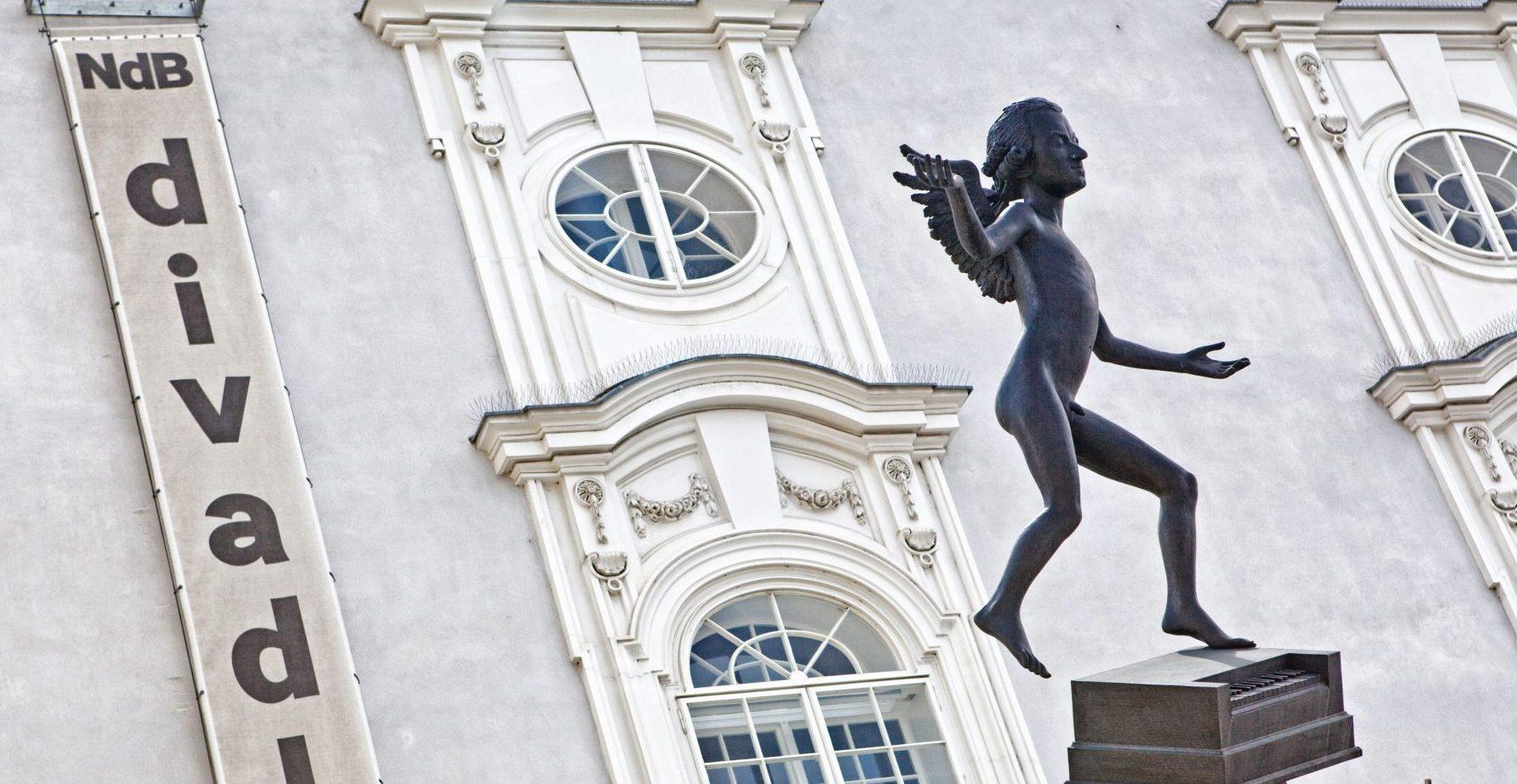 Zelný trh (Vegetable Market) in Brno, a statue of Mozart