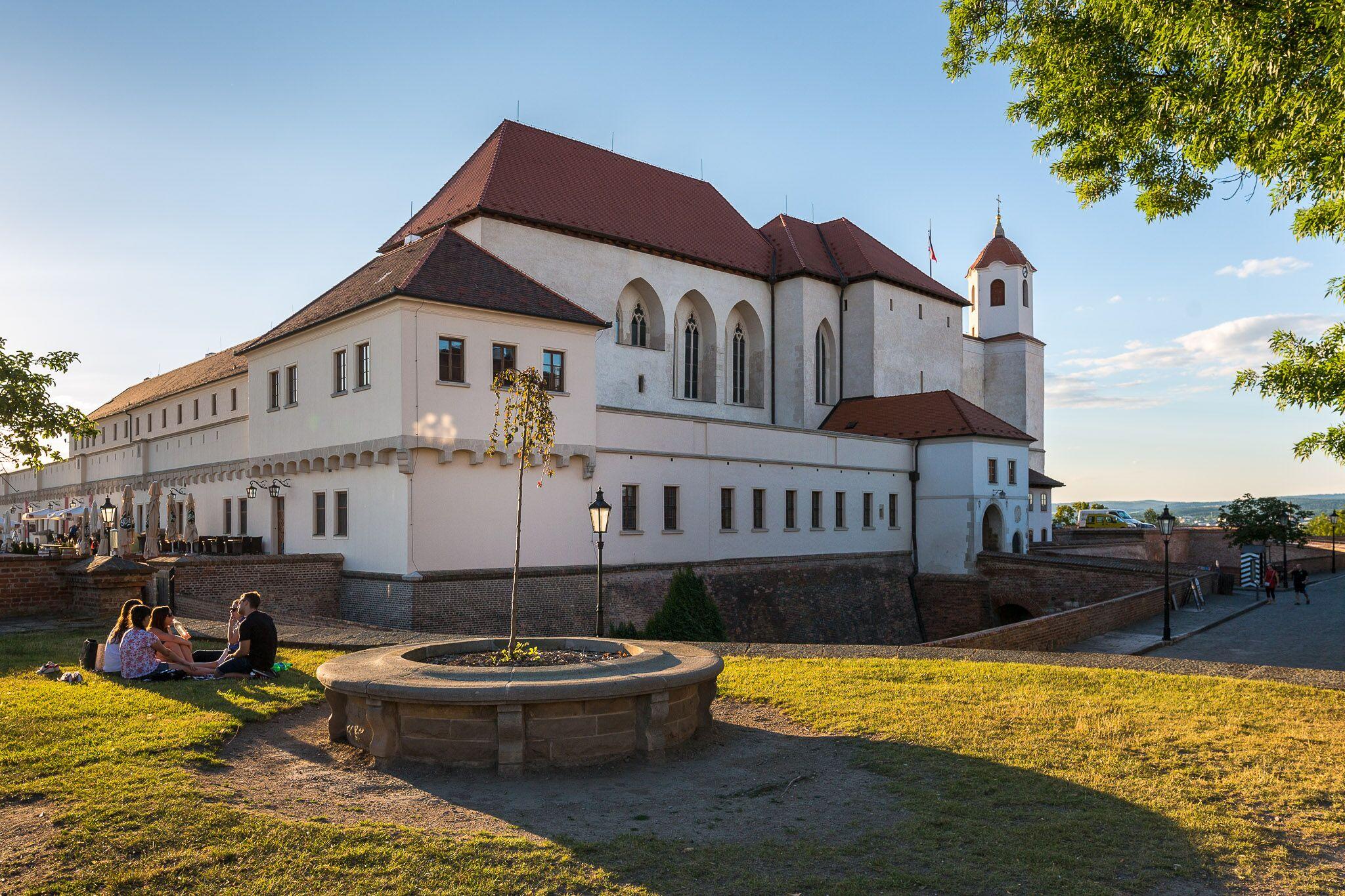 Hrad Špilberk v Brně v létě.