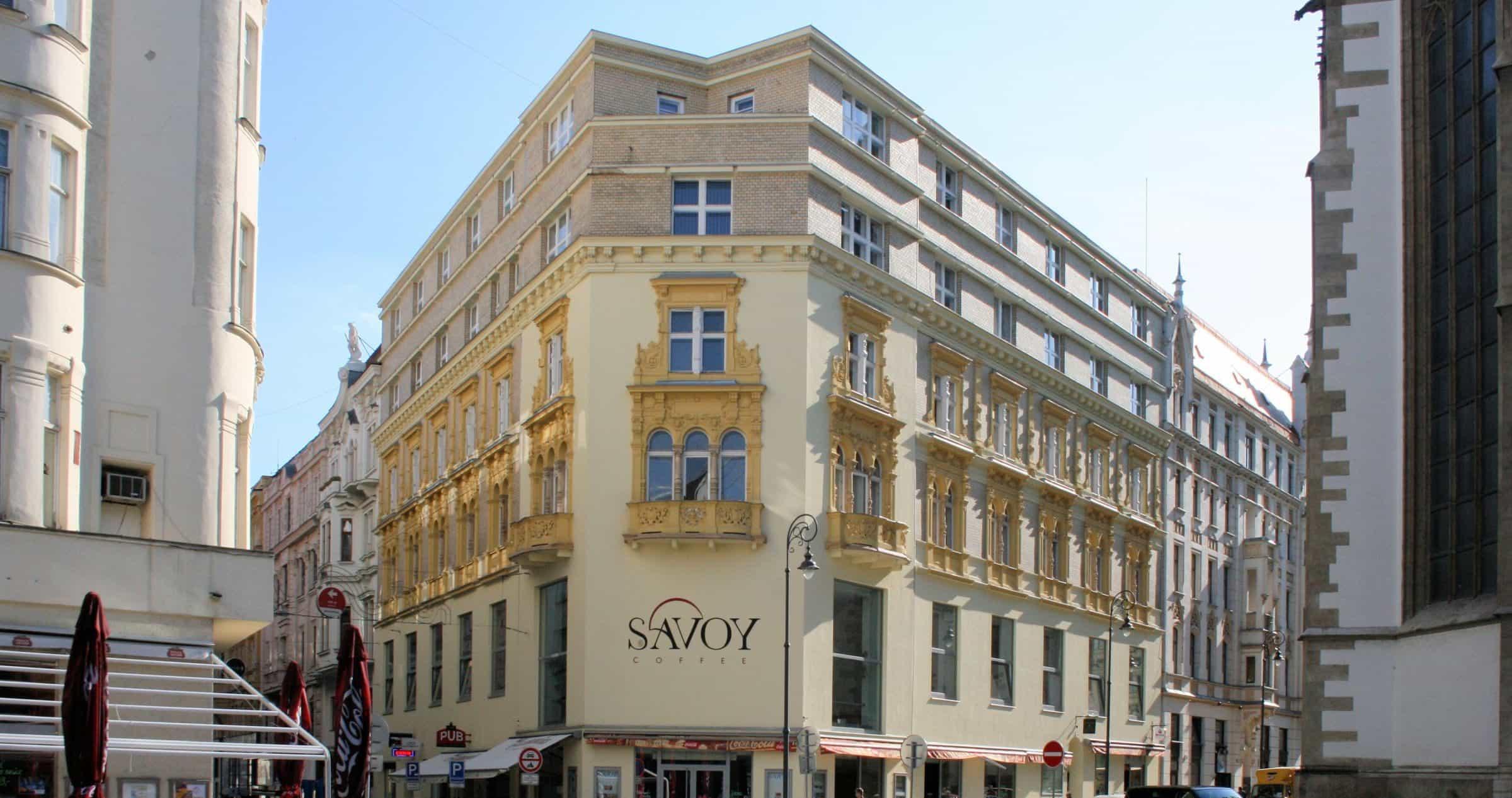 Café Savoy at Jakubské náměstí (St James Square)