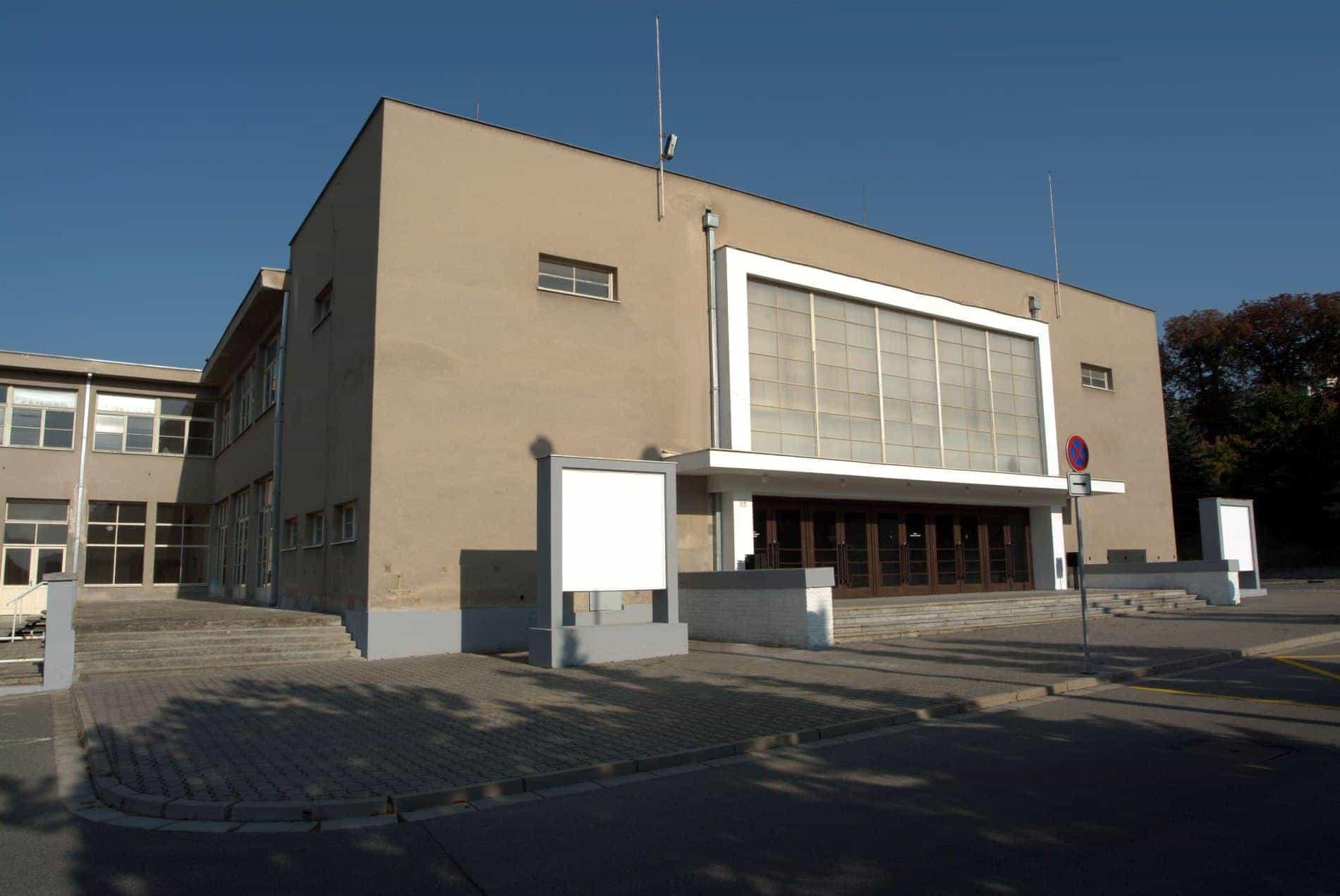 Kino – divadlo – kavárna (Brněnské výstaviště)