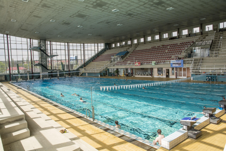Lužánky City Swimming Pool (Městský plavecký stadion Lužánky)