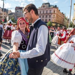 brnensko-tanci a zpívá