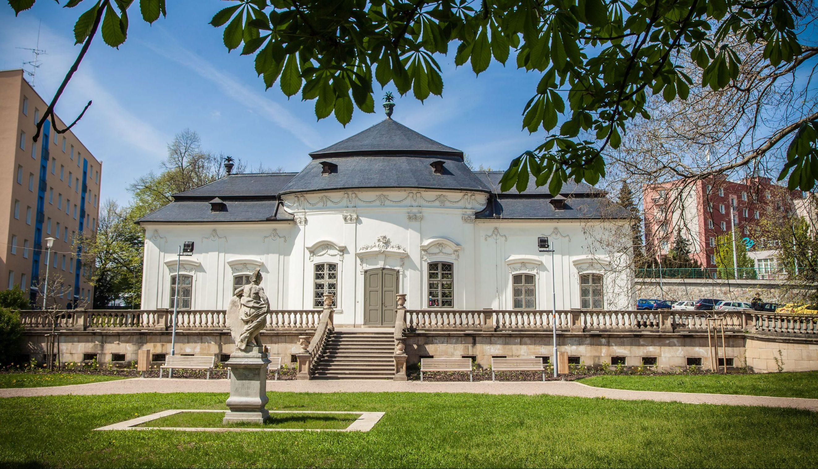 Villa Mitrovsky (Letohrádek Mitrovských)
