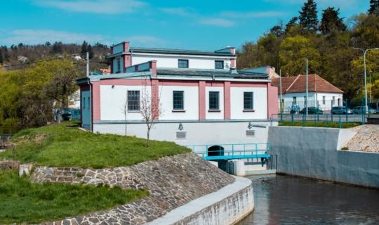 Vodní elektrárna na Svratce, postavená na místě bývalého mlýna v roce 1923,(c) Františka Foto