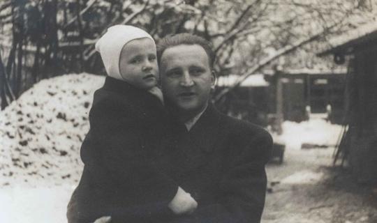 Externí dětský lékař Navrátilova sanatoria MUDr. Jiří Cvrkal se synem Jirkou