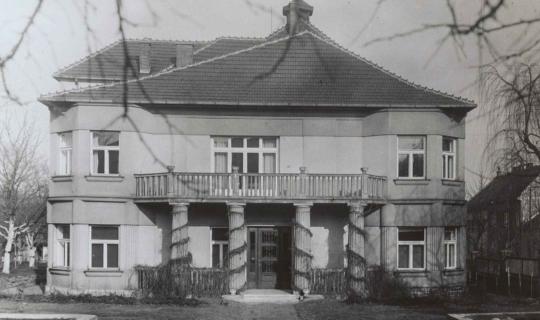Pohled od zahrady. Archiv Ing. Františka Navrátila, úprava JR