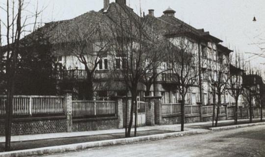Navrátilovo sanatorium - pohled z ulice Berkova - archiv Ing. Františka Navrátila