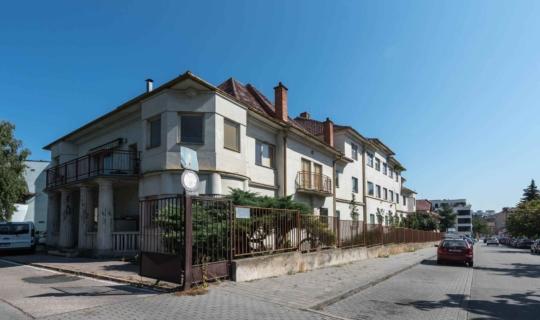 Navrátilovo sanatorium - pohled z ulice Berkova - autorka Jiřina Rittichová