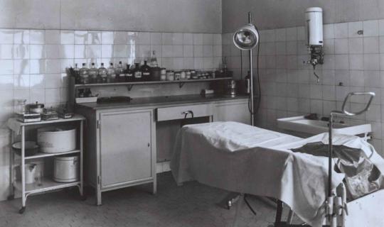 Ambulance. Archiv Ing. Františka Navrátila, úprava JR