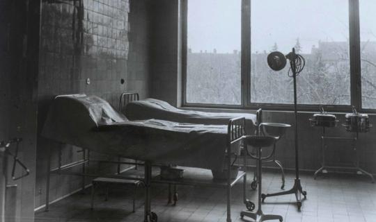 Porodní sál Navrátilova sanatoria. Archiv Ing. Františka Navrátila, úprava JR